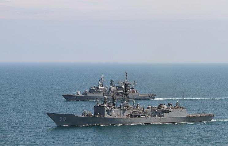 NATO warships in the Black Sea (archive)