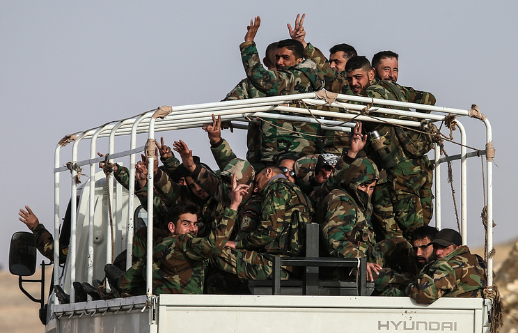 Syrian government army servicemen