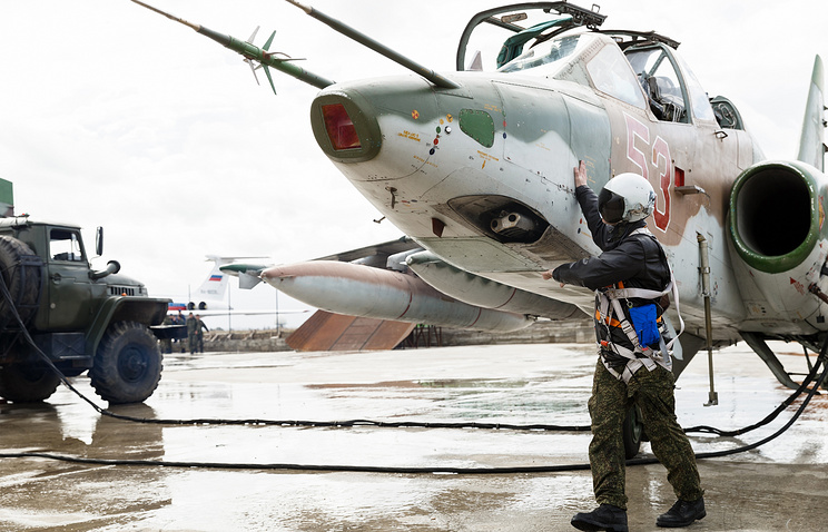 Russian Su-25 jet at Hemeimeem air base in Syria