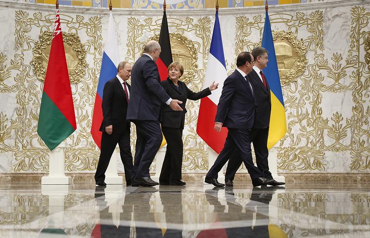 Russian President Vladimir Putin, Belarusian President Alexander Lukashenko, German Chancellor Angela Merkel, French President Francois Hollande and Ukrainian President Petro Poroshenko at peace talks in Minsk, Belarus