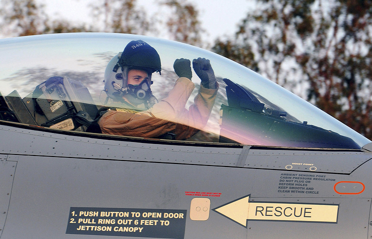 Belgian pilot in F-16 fighter