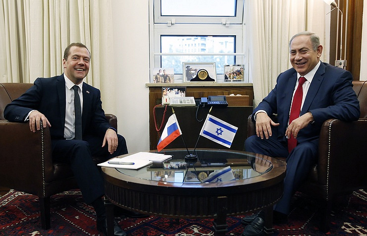 Russia's Prime Minister Dmitry Medvedev, Israeli Prime Minister Benjamin Netanyahu