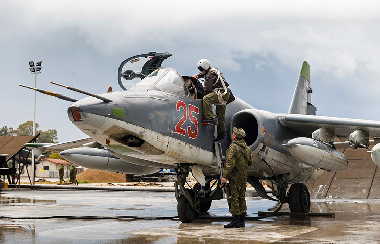 A Russian Su-25 jet at Hmeimim airbase in Syria