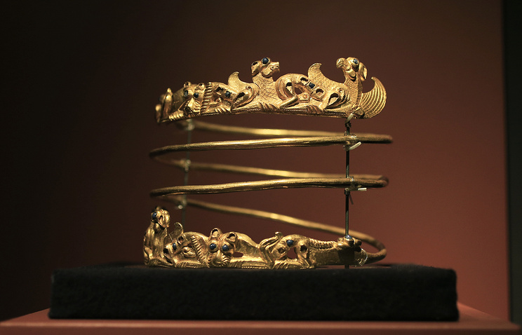 Spiraling torque from the second century A.D., part of the exhibit called The Crimea - Gold and Secrets of the Black Sea, at Allard Pierson historical museum