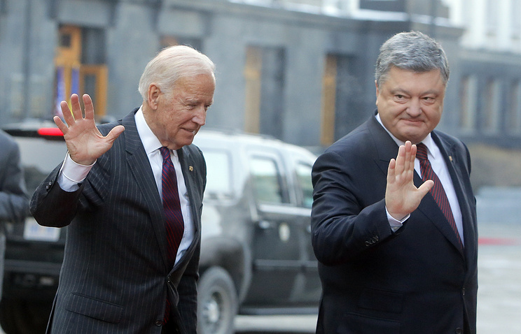 US Vice President Joe Biden and Ukrainian President Petro Poroshenko