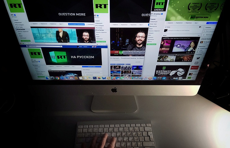 Facebook partially blocks Russian news outlet RT but then lifts ban