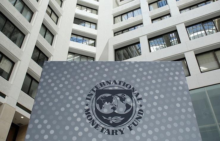 International Monetary Fund delays Ukraine loan in response to trade blockade