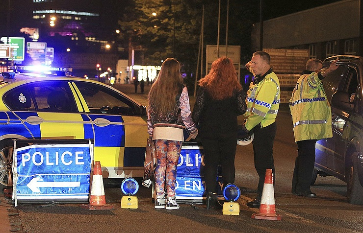United Kingdom  election campaign to resume after Manchester attack