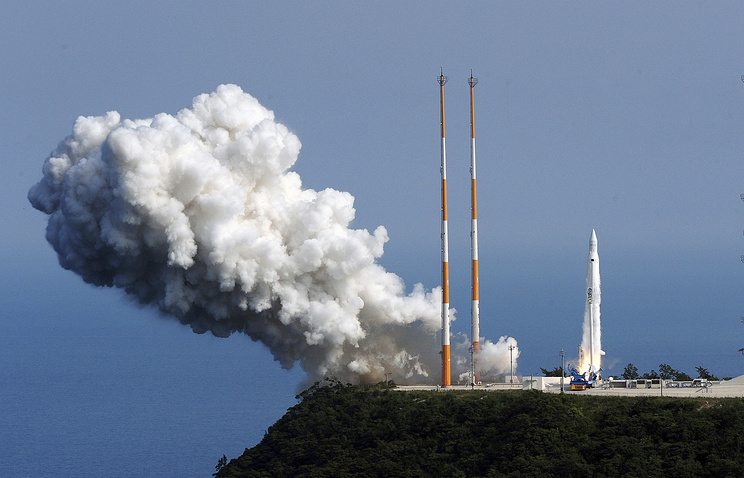 South Korean Space Launch Vehicle takes off from the launch pad at the Naro Space Center in Goheung, South Korea