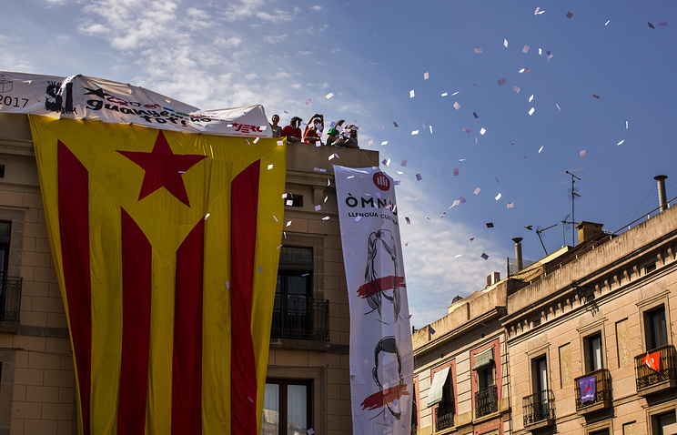 Catalonia calls on 5.3 mln to vote, Madrid vows to stop it
