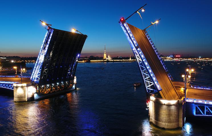 Palace Bridge in St. Petersburg