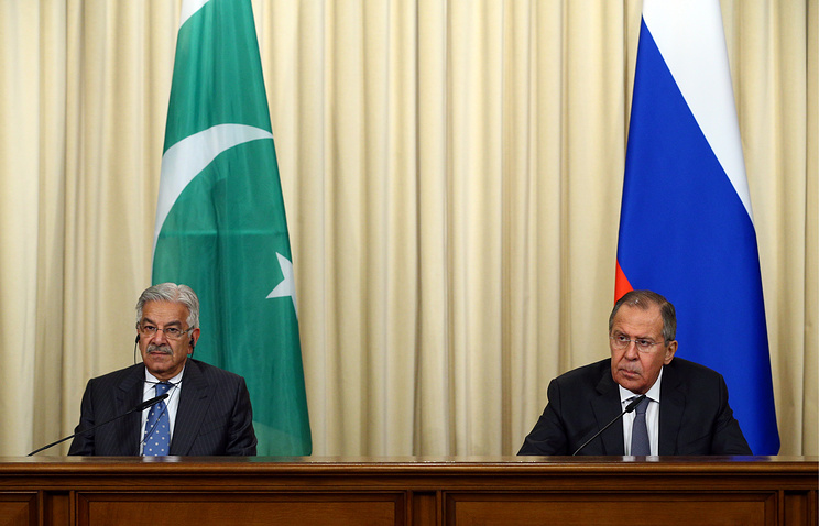Pakistani and Russian Foreign Ministers, Khawaja Muhammad Asif and Sergey Lavrov