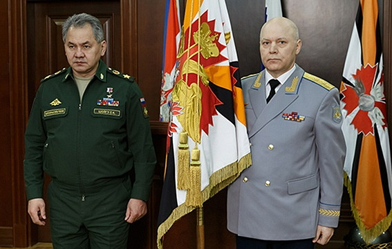 Russian Defense Minister Sergei Shoigu (L) and Igor Korobov (R)