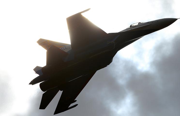 Su-27 fighter plane