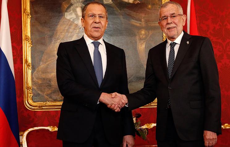 Russian Foreign Minister Sergey Lavrov and Austrian President Alexander Van der Bellen