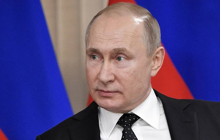 Putin Signs 'Sovereign Internet' Law, Expanding Government Control of Internet