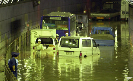 Aftermath of typhoon Danas in Tokio, AP Photo/Shuji Kajiyama