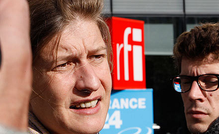 Шеф-редактор радиостанции  RFI Сесиль Межи. Фото AP Photo/Jacques Brinon