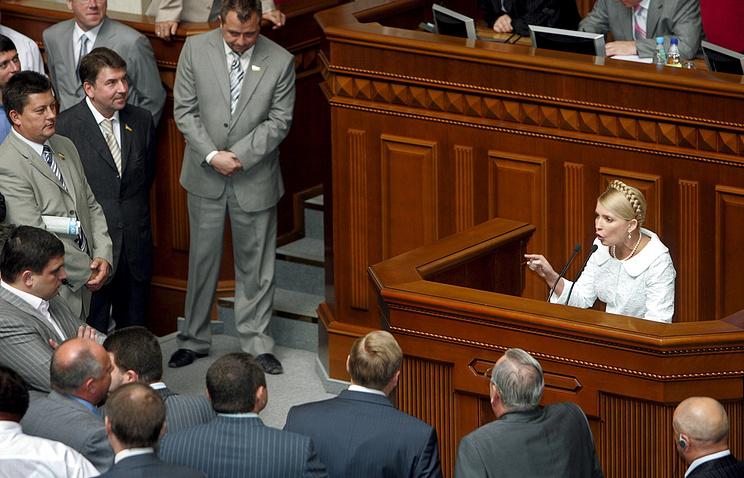 Юлия Тимошенко, 2006. EPA/SERGEY DOLZHENKO