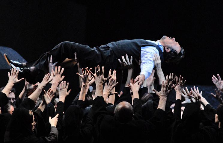 """Опера Джузеппе Верди """"Отелло"""" в постановке Василия Бархатова на сцене Мариинского театра. 2007 год"""