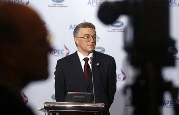 Cоветник-посланник посольства РФ в Японии Геннадий Овечко