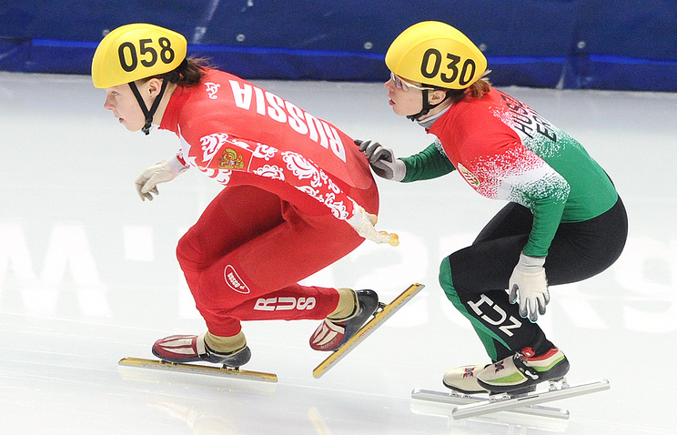 Ольга Белякова (слева)