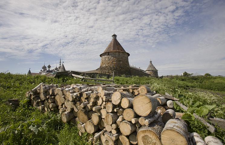 Вид на Спасо-Преображенский Соловецкий монастырь