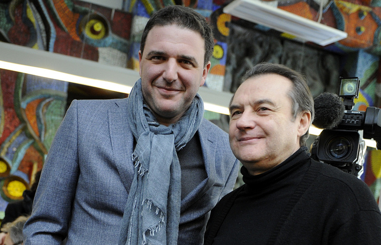 Алексей Учитель (справа)