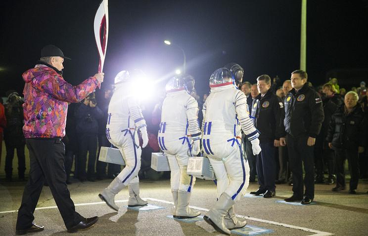 "Старт РН ""Союз-ФГ"" с Олимпийским огнем на борту. Космодром ""Байконур"""