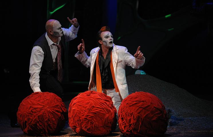 Сцена из спектакля Сергея Проханова «Коррида, или Роман с бессонной ночью»