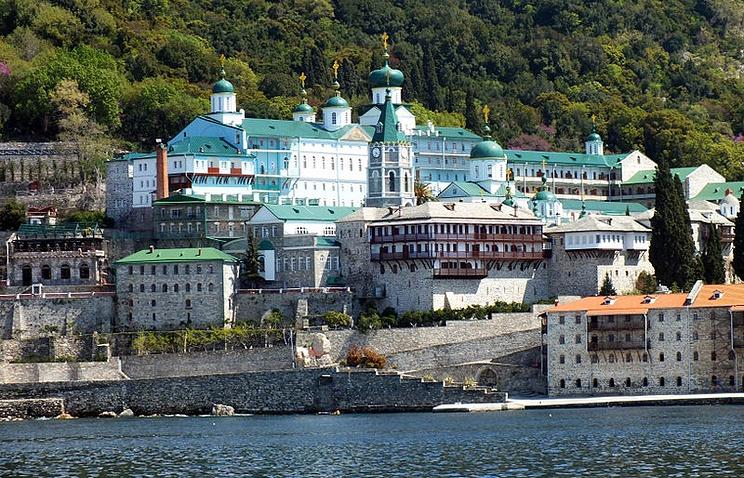 Свято-Пантелеимонов монастырь на Святой горе Афон.