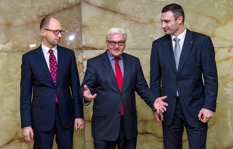 Арсений Яценюк, министр иностранных дел ФРГ Франк-Вальтер Штайнмайер, Виталий Кличко