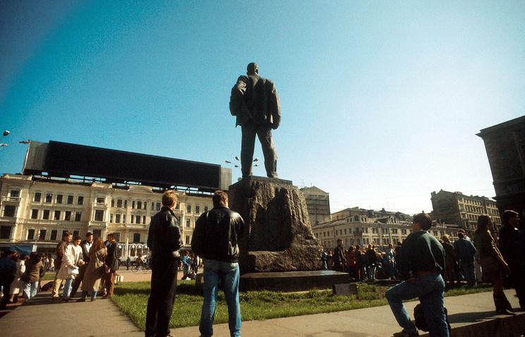 Триумфальная площадь, Москва, 1993 год