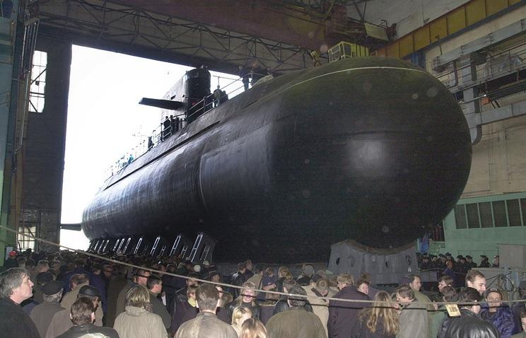 """Подготовка к спуску на воду дизель-электрической подводной лодки """"Санкт-Петербург"""""""