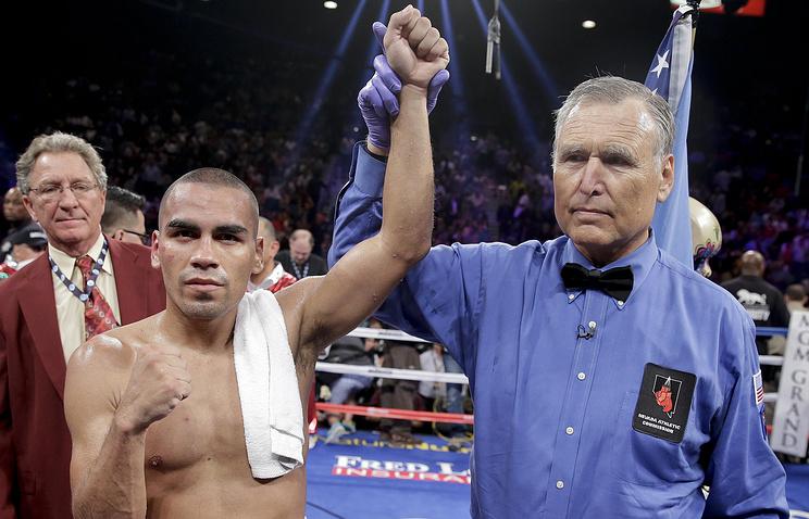 Карлос Молина (слева)