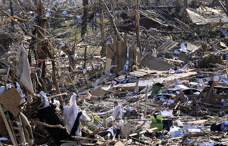 2011 год. Последствия торнадо в американском штате Алабама