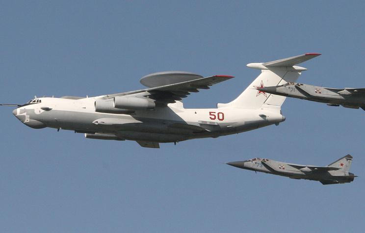 Самолет радиолокационного дозора и наведения А-50 и истребители-перехватчики МиГ-31