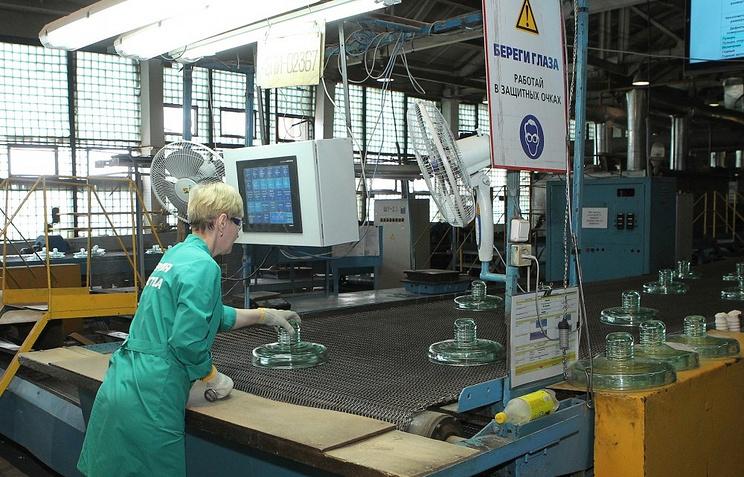 Производство изоляторов для линий электропередач на Южноуральском арматурно-изоляторном заводе