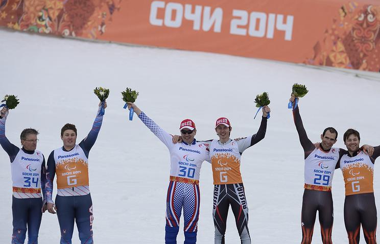 Габриэль Йепес и Джозеф Вентура (справа), Валерий Редкозубов и Евгений Героев (в центре), Марк Батум Кейд Ямамото (слева)