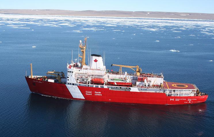 Корабль службы береговой охраны Канады