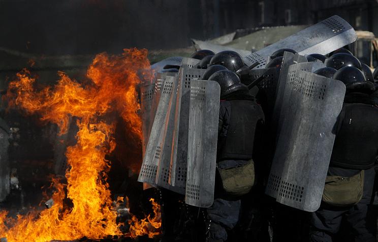 Во время столкновений между сторонниками оппозиции и милицией в Киеве. Февраль 2014 года