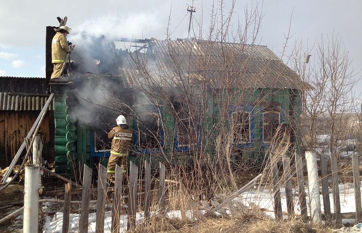 Во время тушения пожара в частном доме в поселке Алтынай