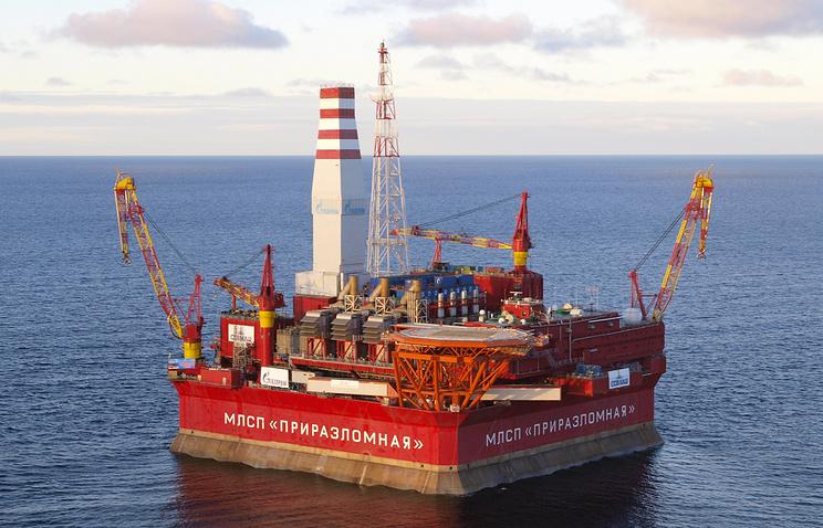 """Нефтяная платформа """"Приразломная"""" в Печорском море"""