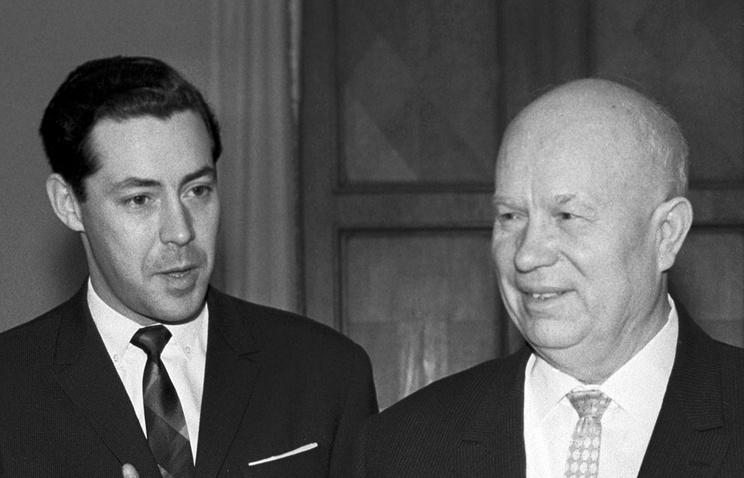Виктор Суходрев и Никита Хрущев, 1964 год