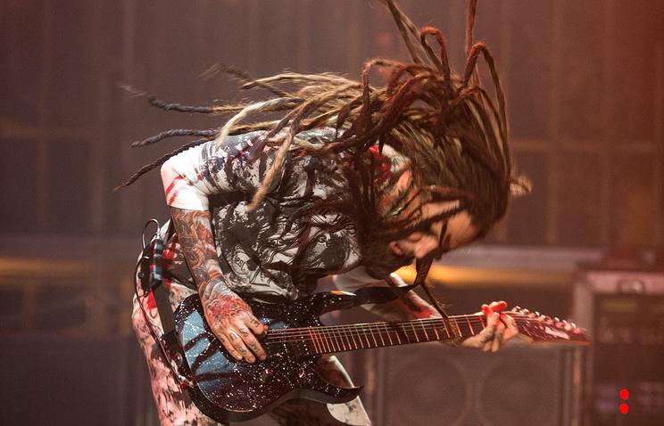 Гитарист группы Korn Брайан Уэлч