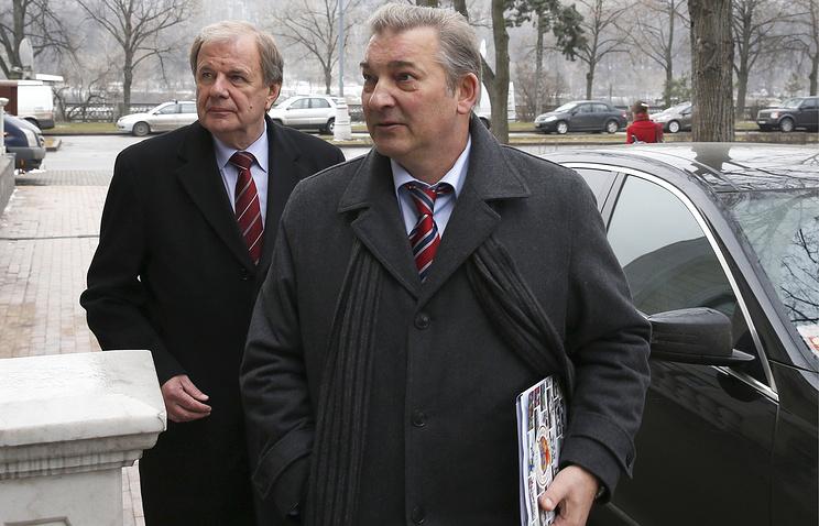 Исполнительный директор ФХР Валерий Фесюк и глава ФХР Владислав Третьяк (слева направо)