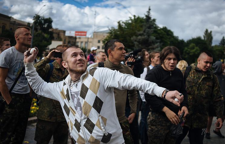 Протестующие у посольства РФ в Киеве