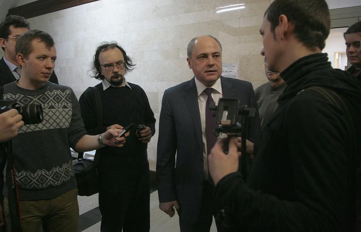 Андрей Ксензов (в центре)