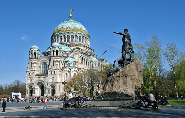 Морской собор на Якорной площади в Кронштадте