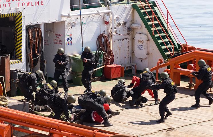 Сотрудники ФСБ во время антитеррористических учений